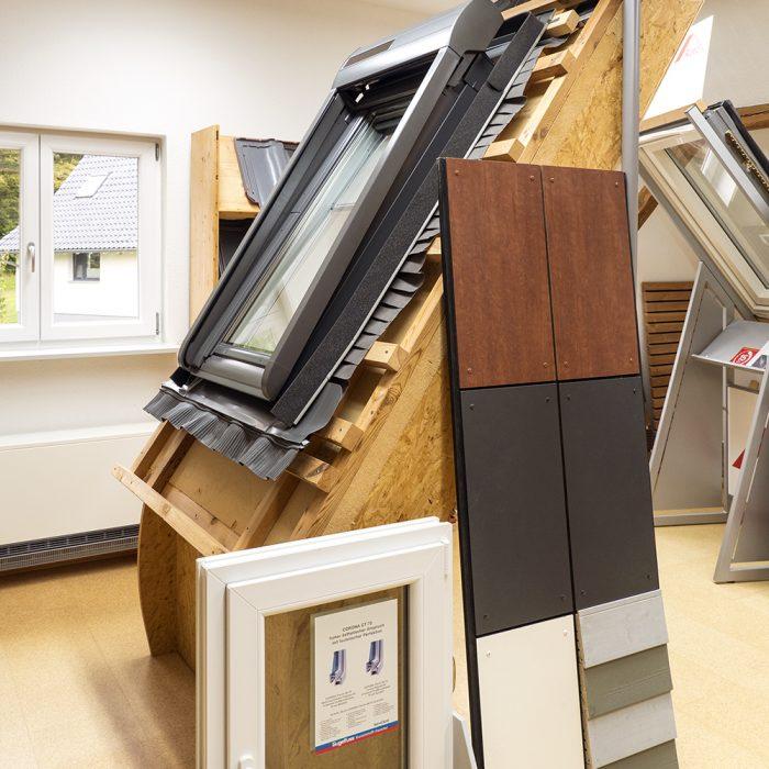 Holzbau Hagenmaier Langenau Ulm Zimmerei | Dachdeckung | Energetische Sanierung | Innenausbau Viele Bereiche ein Ansprechpartner! Austellungsraum, Dachfenster, Dachdeckung, Solarenergie, Energieberatug, Sonnenenergieberatng, Hausbau